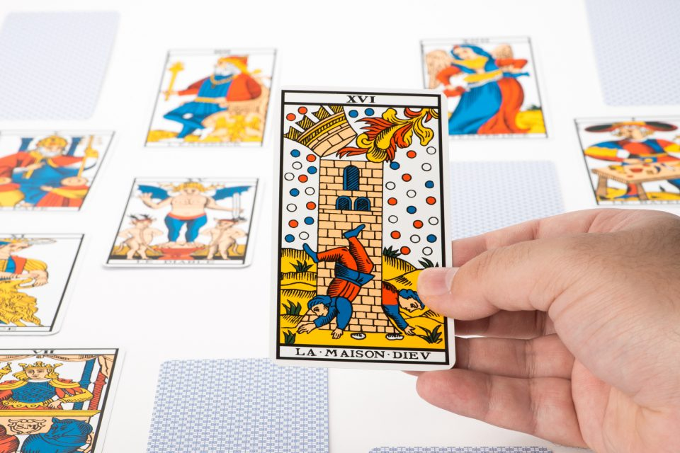 The Tower: discover the meaning of this Tarot card - WeMystic
