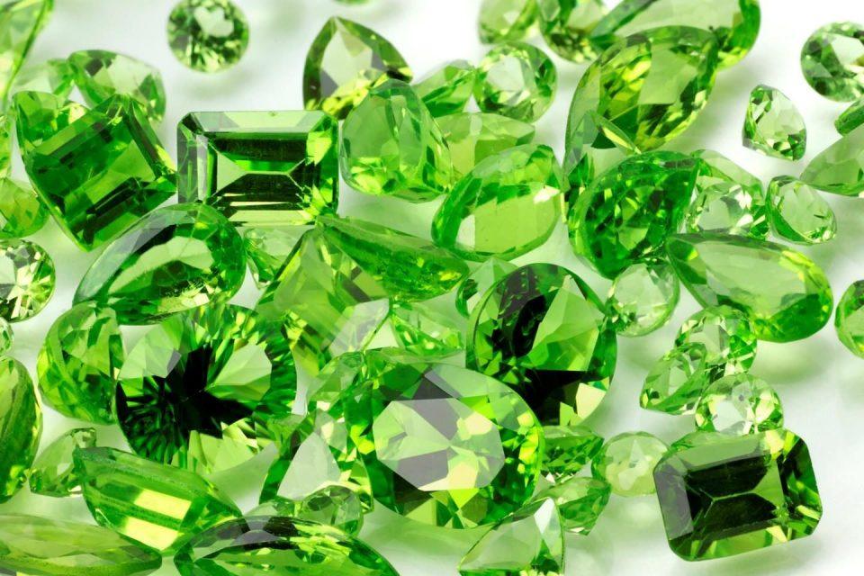 Resultado de imagen de piedra preciosa la olivina
