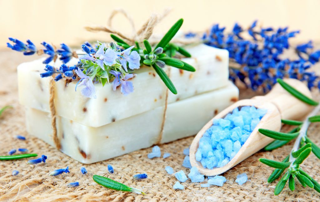 Rosemary bath: what is it for and how to prepare it - WeMystic