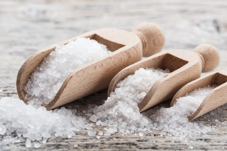 3 strong rituals to attract money with salt - WeMystic
