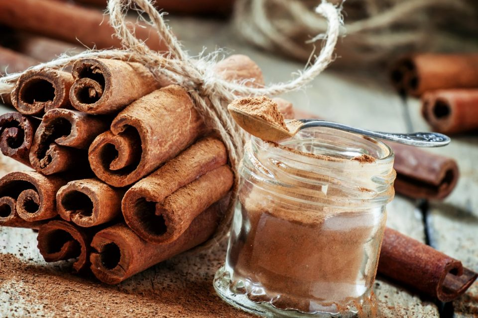 Burning cinnamon for money: how to attract prosperity - WeMystic