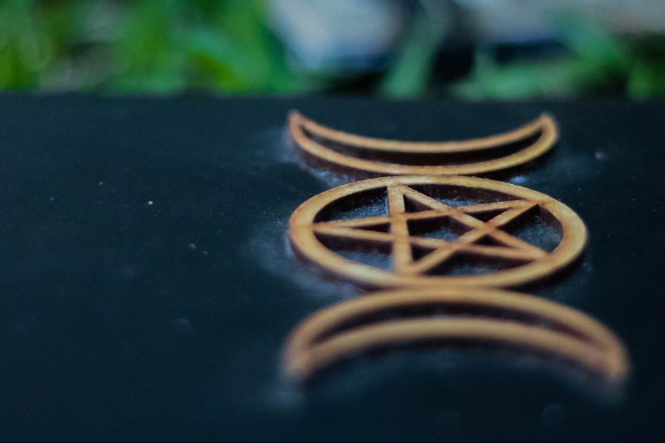 Wicca for beginners: origins, symbols, rituals and beliefs - WeMystic