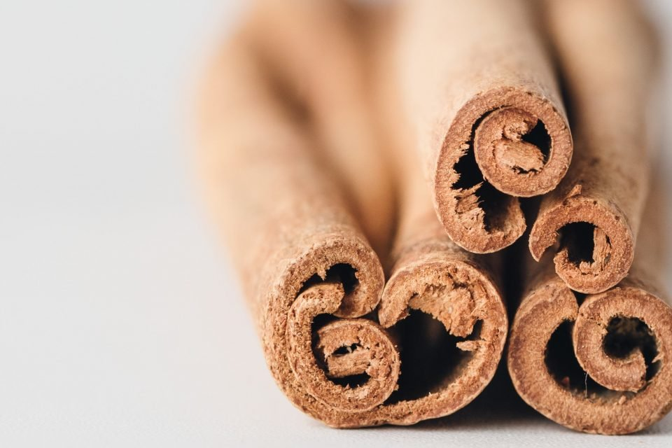 Cinnamon for protection: protect yourself and your home